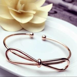 Jewelry - Rose Gold Bow Bangle🎀💎